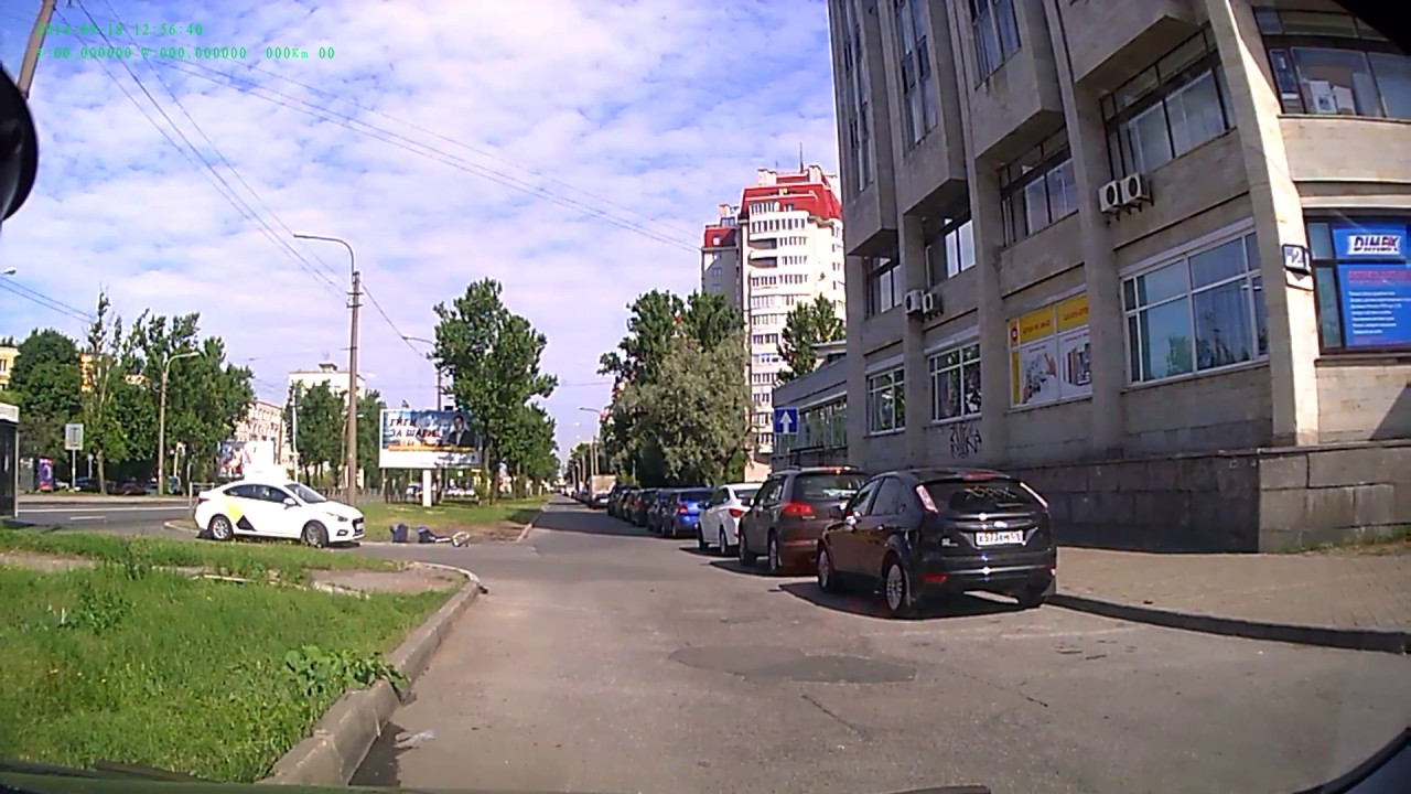 Автоледи сбила велосипедиста в Санкт-Петербурге