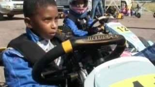 preview picture of video 'Kartódromo de automóvel e touring Clube de Maputo - SAPO Vídeos.mp4'