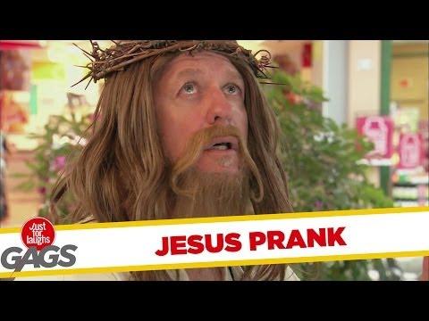 É um milagre! Jesus ressuscita o peixe (Pegadinha)