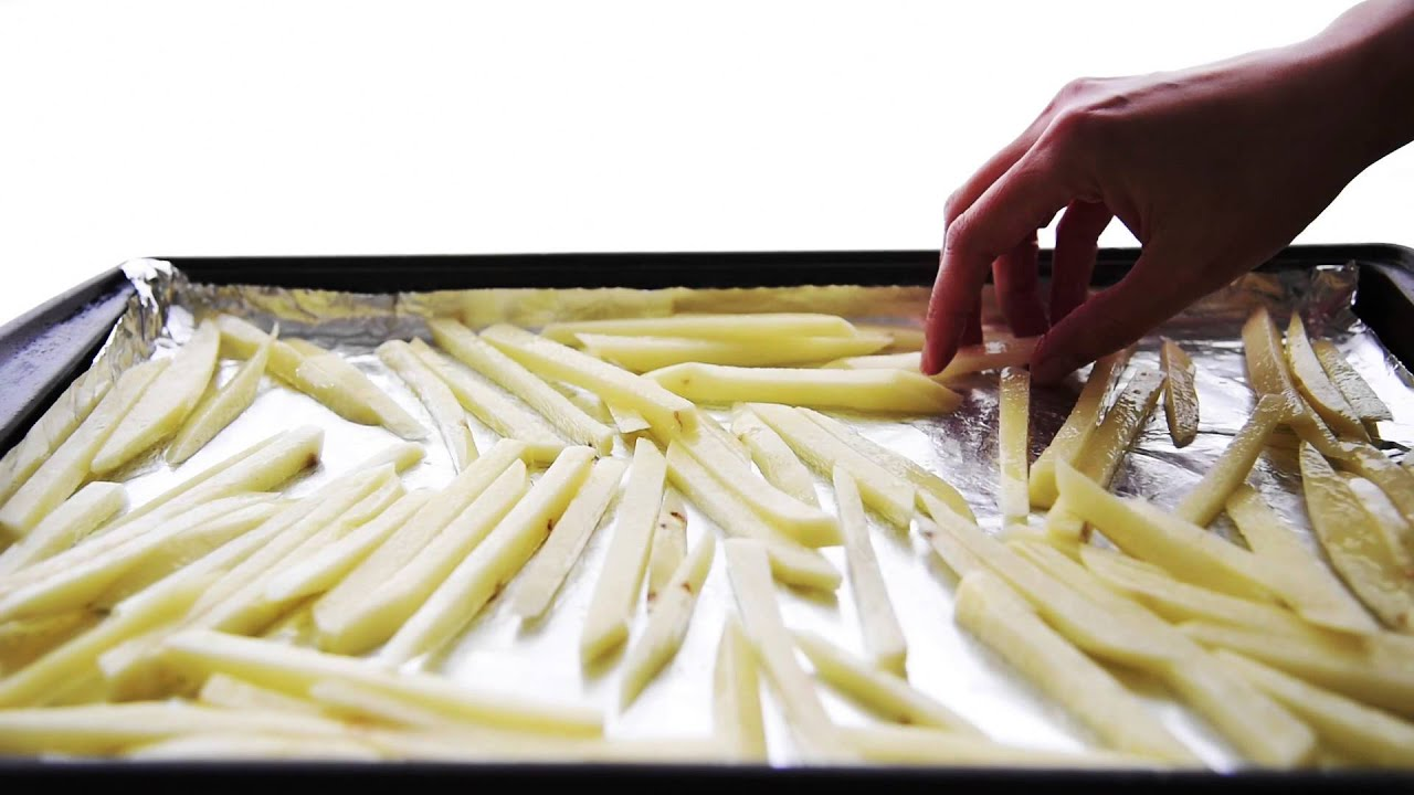 Double Garlic and Scallion Baked Fries {Video}