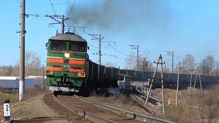 2ТЭ116-982 с грузовым поездом