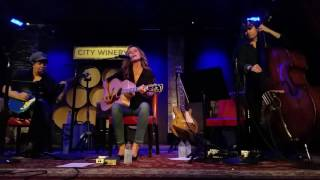 Chely Wright performing at NYC City Winery