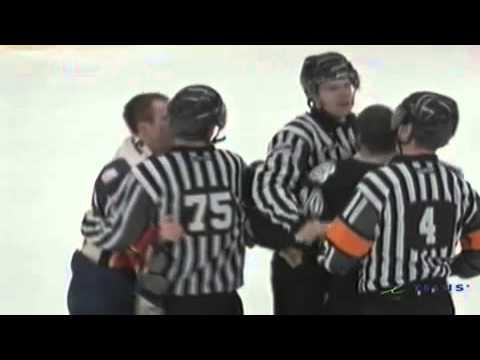 Aaron Hoyles vs. Robert Pelletier