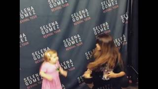 Селена гомез и девочка котороя танцевала под её песню встретились♥