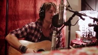 Go behind the scenes with this intimate video from Keiths time in