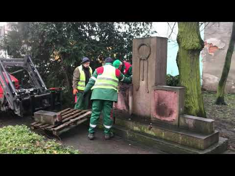 Wideo1: Rozbiórka pomnika Armii Czerwonej