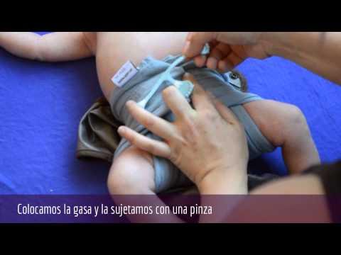 Pañales de tela: Cómo colocar una muselina/gasa