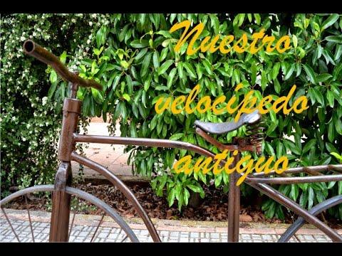 Velocípedo antiguo sin cadena