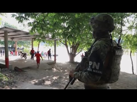 Mexico deployed more troops to its southern border with Guatemala on Monday amid growing evidence that the heightened military presence was deterring some migrants from trying to cross the border. (June 18)