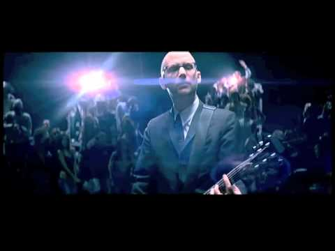 Moby - Lift Me Up video