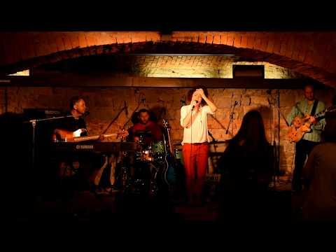 Kaczi - KACZi live - Merci beaucoup (2016)