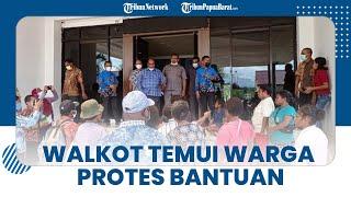 Wali Kota Sorong Temui Warga yang Protes soal Bantuan Tangan Kasih, Ini Kata Lambert Jitmau