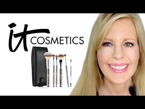 It Cosmetics x ULTA Airbrush Blurring Foundation Brush #101 by IT Cosmetics #9