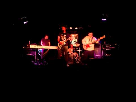 """""""HEROES"""" BIG FOOT live @ The Viper Room - West Hollywood  8-20-13"""