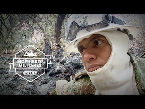 Soldados colombianos combaten incendios forestales