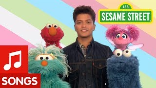 Sesame Street & Bruno Mars - Don't Give Up