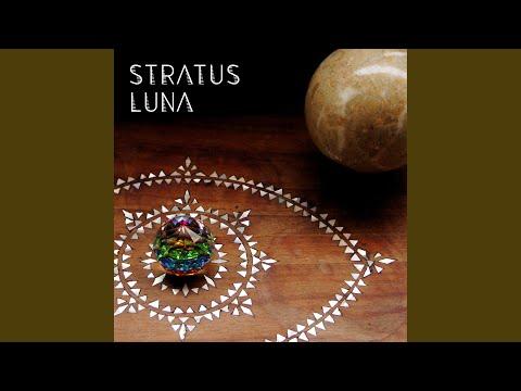 Efêmera online metal music video by STRATUS LUNA