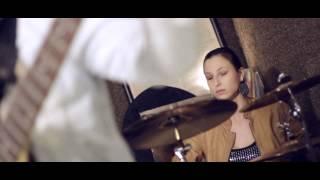 Video Lady Merlot - Cizopasnici