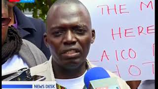 Workers of Laico Regency take to streat to demand payments