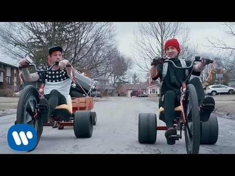Êëèï twenty one pilots: Stressed Out [OFFICIAL VIDEO]