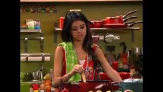 Czarodzieje z Waverly Place - Magiczny obiad. Oglądaj w Disney Channel!