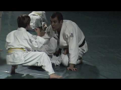 Tyler Gracie Jiu Jitsu '10 Rolls with Ryon
