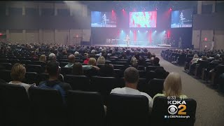 Megachurches Continue To Grow As More Traditional Church Numbers Decline