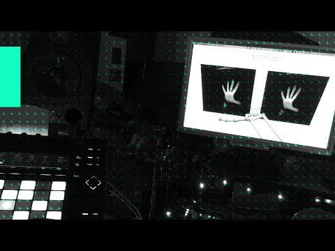 Aneek Thapar: Controlling Regroover Pro with Leap Motion