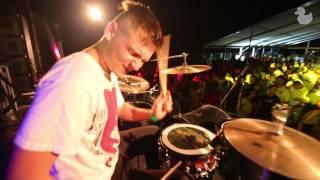 Robert Burian feat. AJ - Vynikajúce Live | Official Music Video