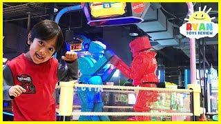 Ryan plays giant Life size Rock 'em Sock 'em Robots Game