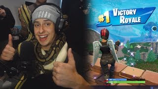 He Won a Fortnite game with SNAKES on him...