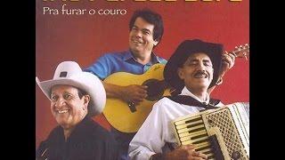 """Trio Parada Dura """"Pra Furar O Couro"""" 2006"""