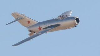 Истребитель МиГ 15