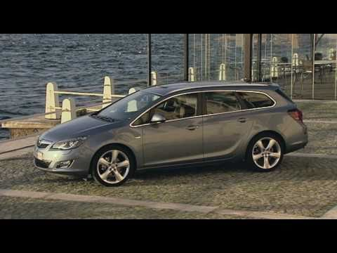 Opel  Astra J Sports Tourer Универсал класса C - рекламное видео 1