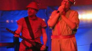 "DEVO - ""Don't You Know"" live in Toronto - November 24, 2009"
