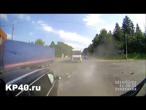 Mercedes-Benz GLS столкнулся с фурой