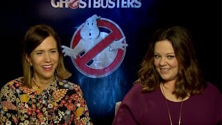Melissa McCarthy, Kristen Wiig talk working with Chris Hemsworth