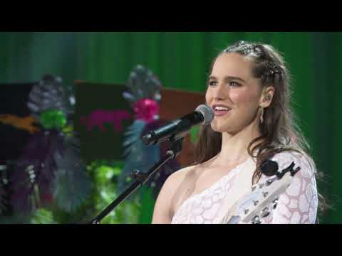 "Sofi Tukker: ""Best Friend"" 