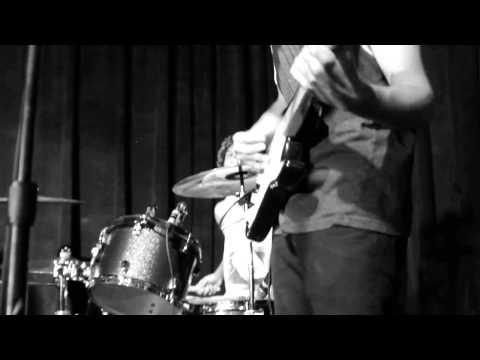The Perjury - Take a Look (Live at Liquid Lounge)