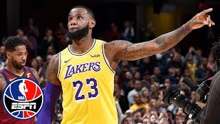 LeBron James welcomed back to Cleveland by Cavaliers fans   NBA Highlights