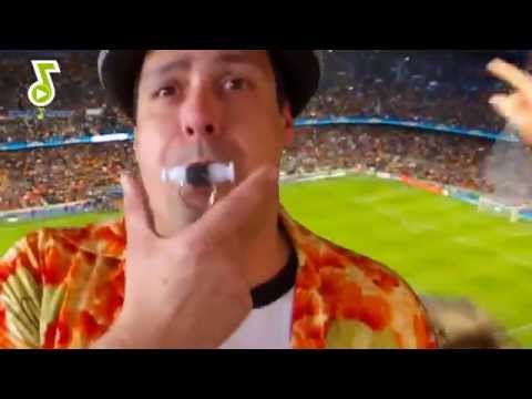 StartMusic - How to blow the samba whistle _ Wie spielt man die Samba Pfeife