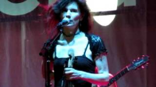 10,000 Maniacs - Because the night belongs to lovers