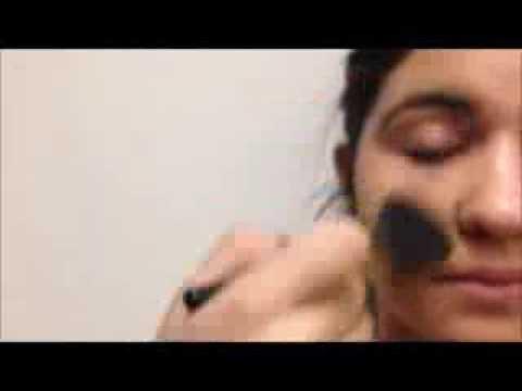 La cosmétologie esthétique autour des yeux