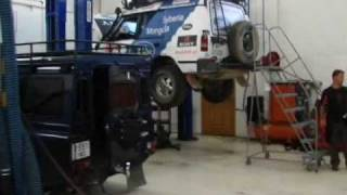 preview picture of video 'Broken Land Rover in service station. Ulaanbaatar. Mongolia'