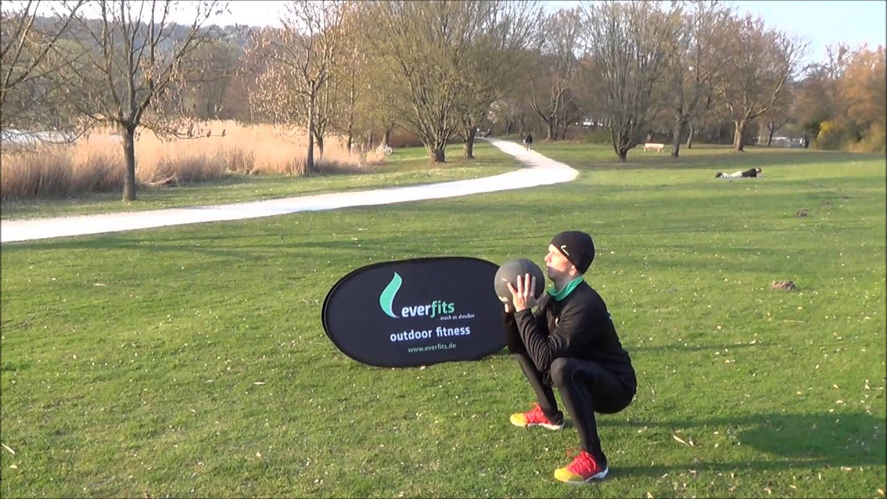 everfits Outdoor Medizinball Workout