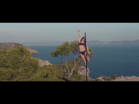 Clean Bandit - Rockabye ft. Sean Paul & Anne-Marie [Official Video] Screenshot 2