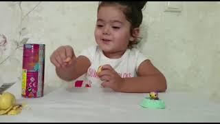 Кудряшка Эмили открывает сюрпризы  обзор игрушек