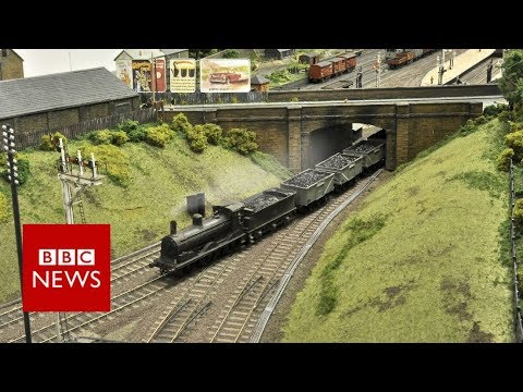 Model railway took train enthusiasts five years to build - BBC News