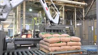 Wood pellet bagging line with robot up to 1400 bags / hour.