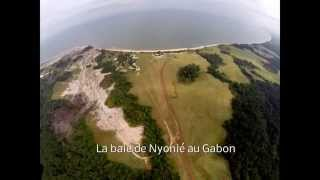preview picture of video 'Vol avec un Drone DJI Phantom 2 au dessus de la forêt de Nyonié au Gabon'